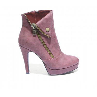 Women's 2 LIPS TOO Too Scam Stiletto Booties Red AKO81623